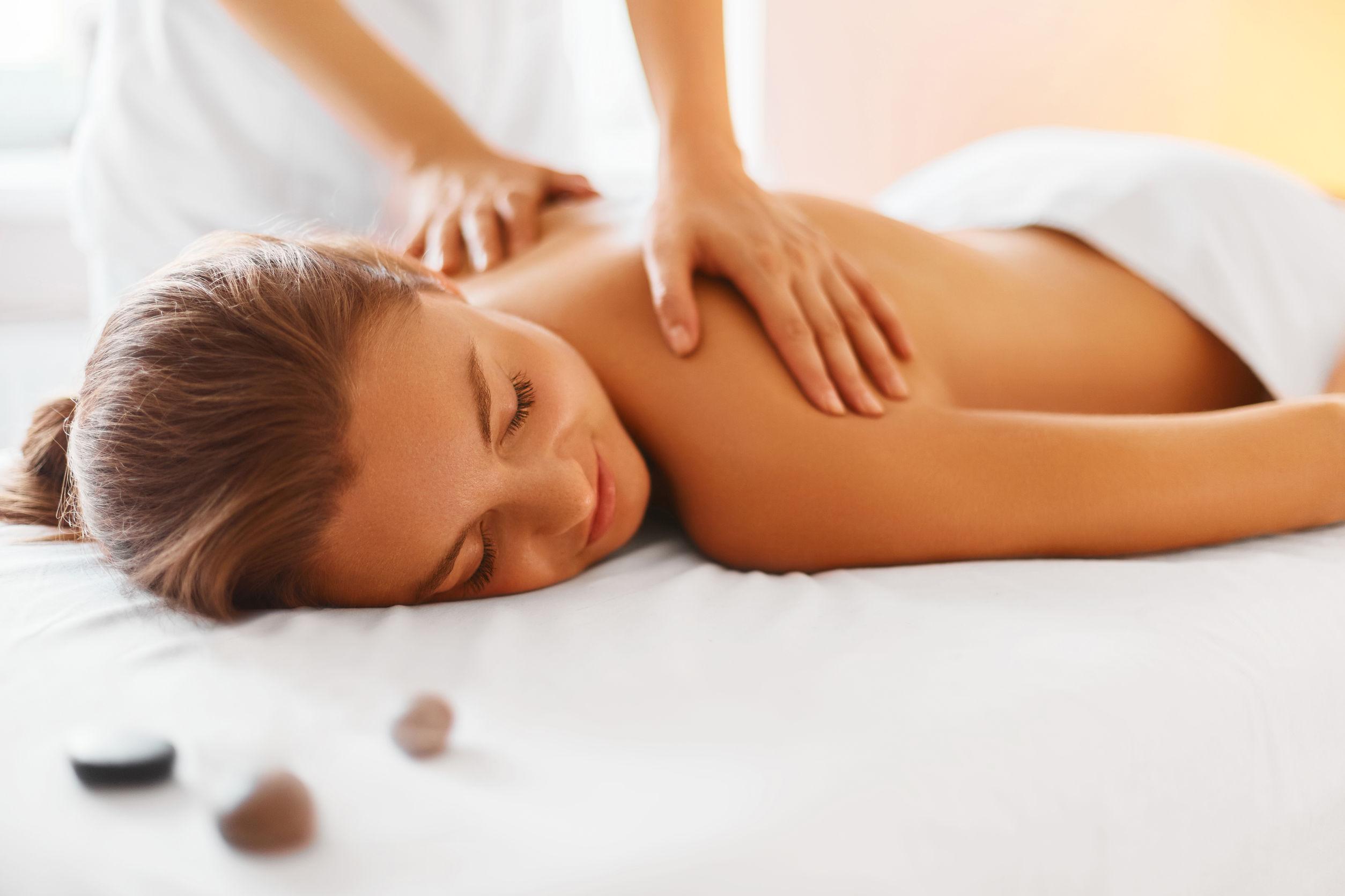 Lider du av ryggbesvär? - Massage Gävle, Ryggbesvär Gävle